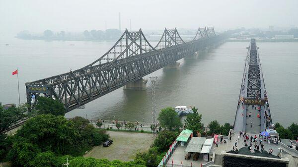 Мост Китайско-корейской дружбы в Даньдуне, провинция Ляонин