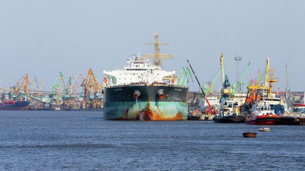 Вид на Клайпедский морской торговый порт