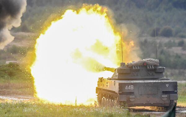 Авиадесантная самоходная противотанковая пушка Спрут-СД во время динамического показа вооружений, военной и специальной техники мотострелковых войск в рамках МВТФ Армия-2020
