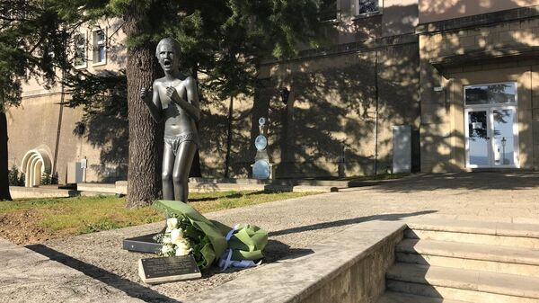 Крик Беслана -  скульптура в итальянском городе Сан-Марино, посвященная детям-жертвам теракта в Северной Осетии