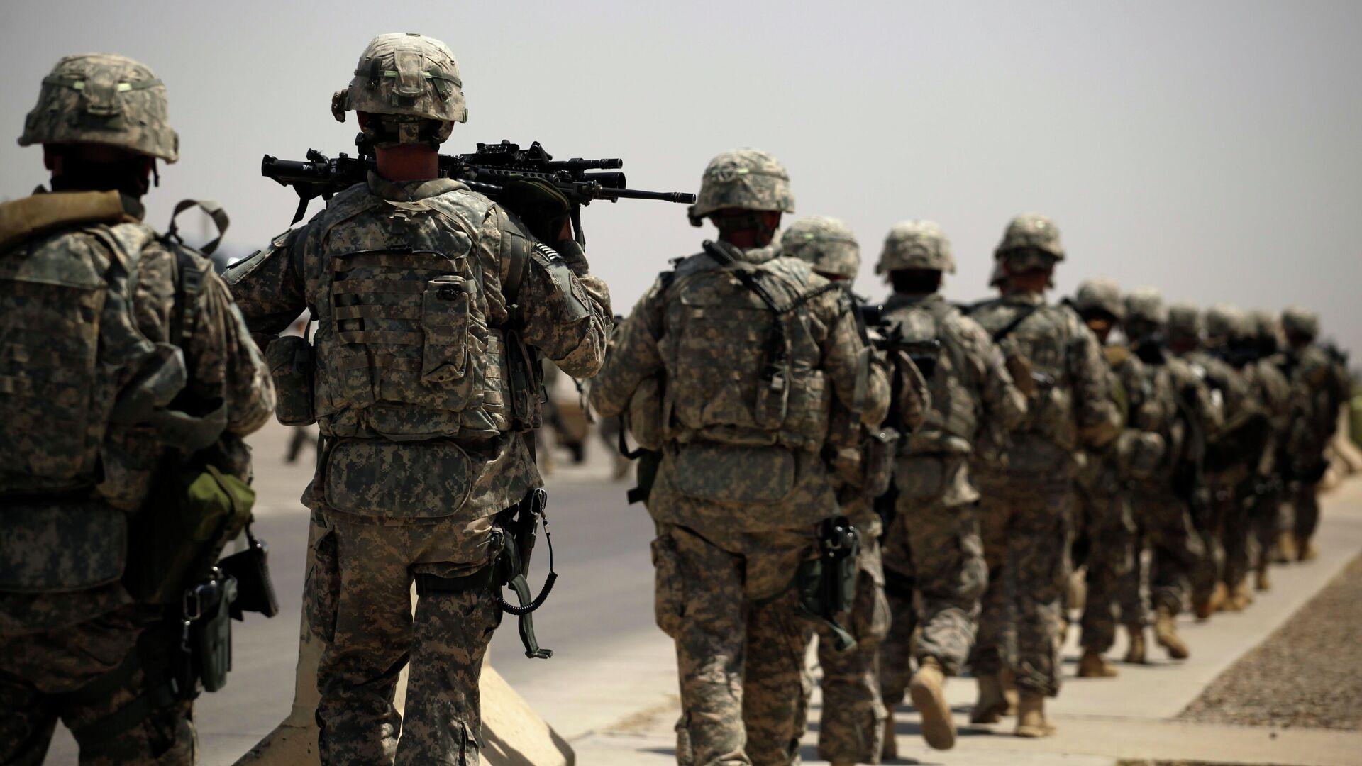 Американские военные на воздушной базе в Багдаде, во время вывода войск США из Ирака - РИА Новости, 1920, 09.09.2020
