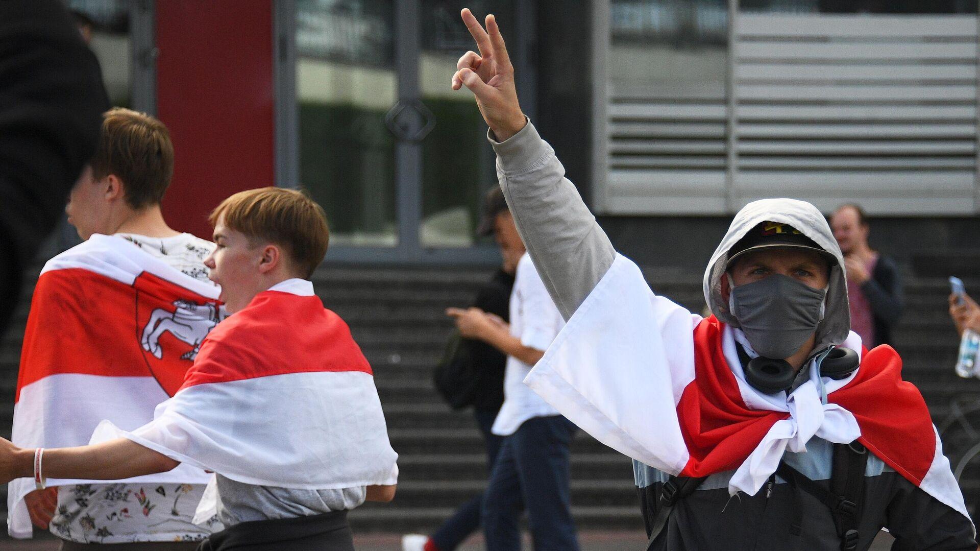Участники студенческой акции протеста в Минске - РИА Новости, 1920, 01.09.2020