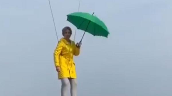 Кандидат в мэры Киева Ирина Верещук парит над городом
