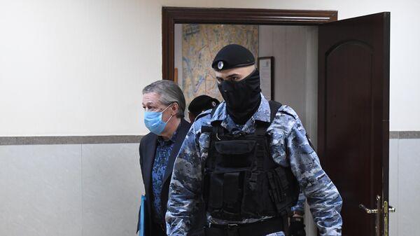 Актёр Михаил Ефремов в здании Пресненского суда города Москвы, где будет оглашен приговор по делу о ДТП со смертельным исходом