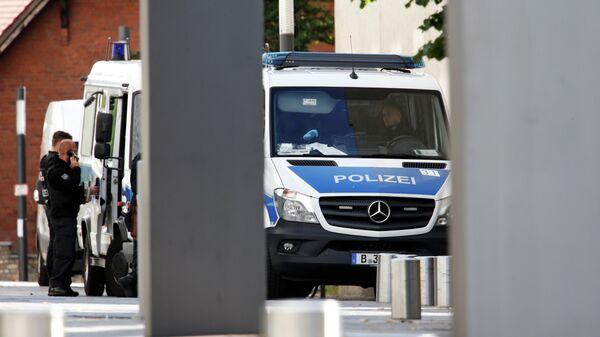 Полицейские у больничного комплекса Шарите в Берлине