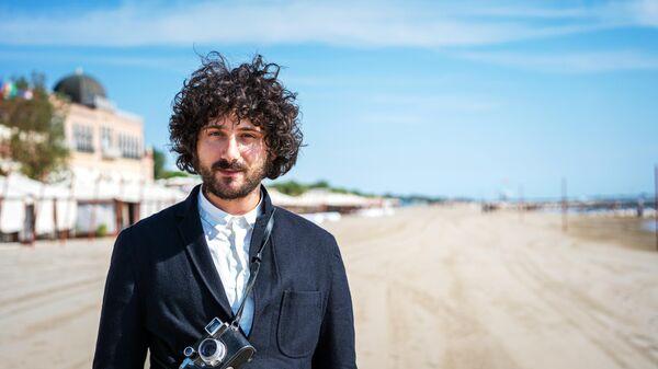 Российский режиссер Филипп Юрьев во время фотоколла создателей фильма Китобой, который представлен на 77-м Венецианском кинофестивале в рамках параллельной программы авторского кино Венецианские дни.