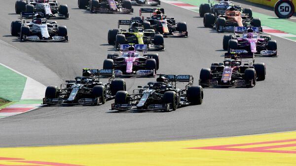 Пилоты Ф-1 во время гонки Гран-при Тосканы