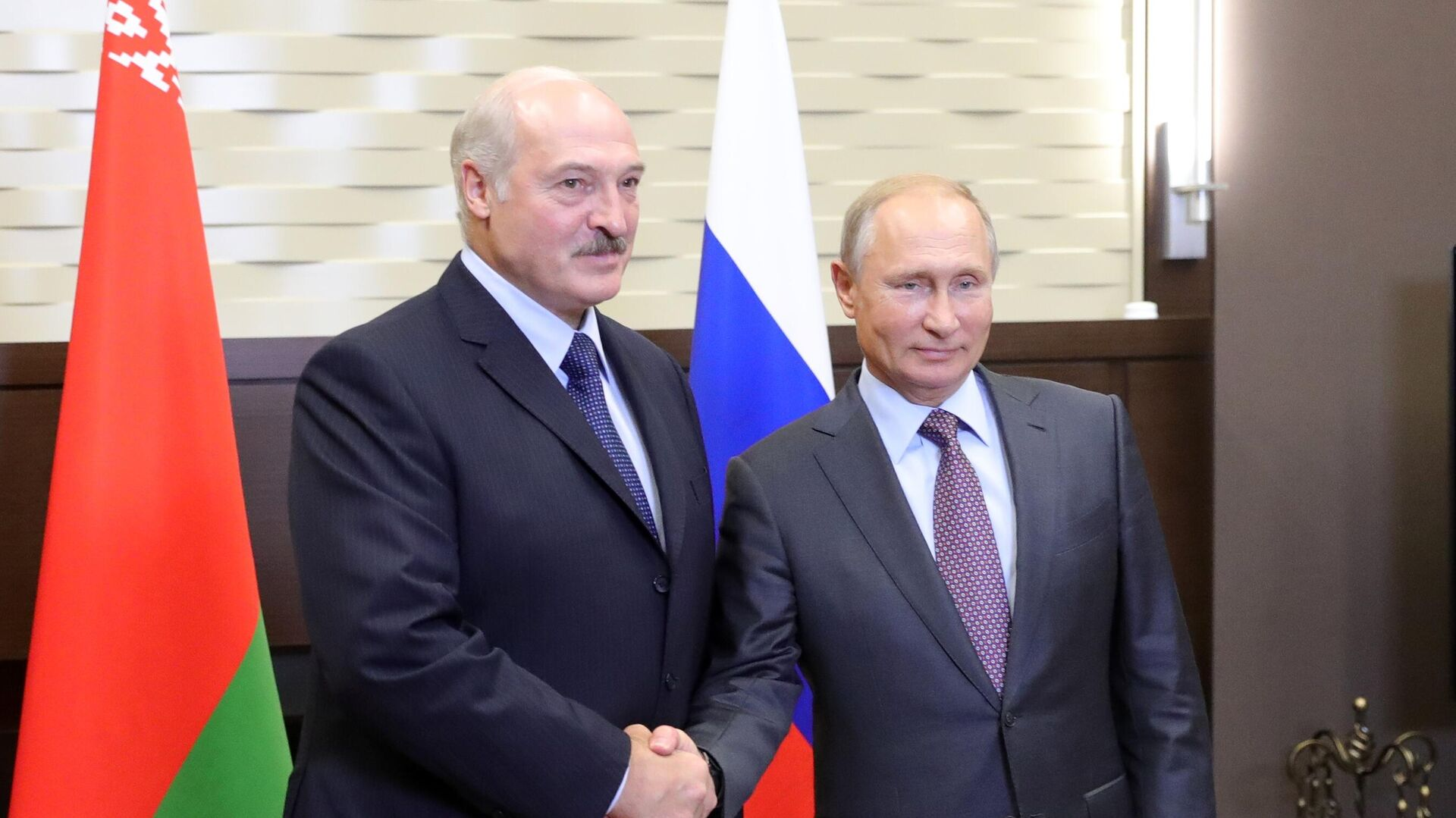 Президент РФ Владимир Путин и президент Белоруссии Александр Лукашенко во время встречи - РИА Новости, 1920, 14.09.2020