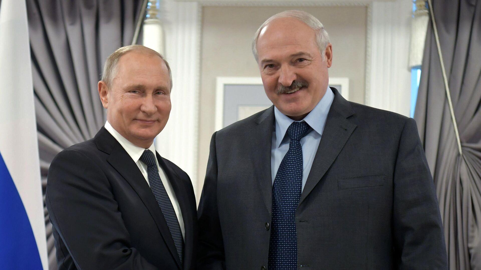 Президент РФ Владимир Путин и президент Республики Беларусь Александр Лукашенко - РИА Новости, 1920, 05.01.2021