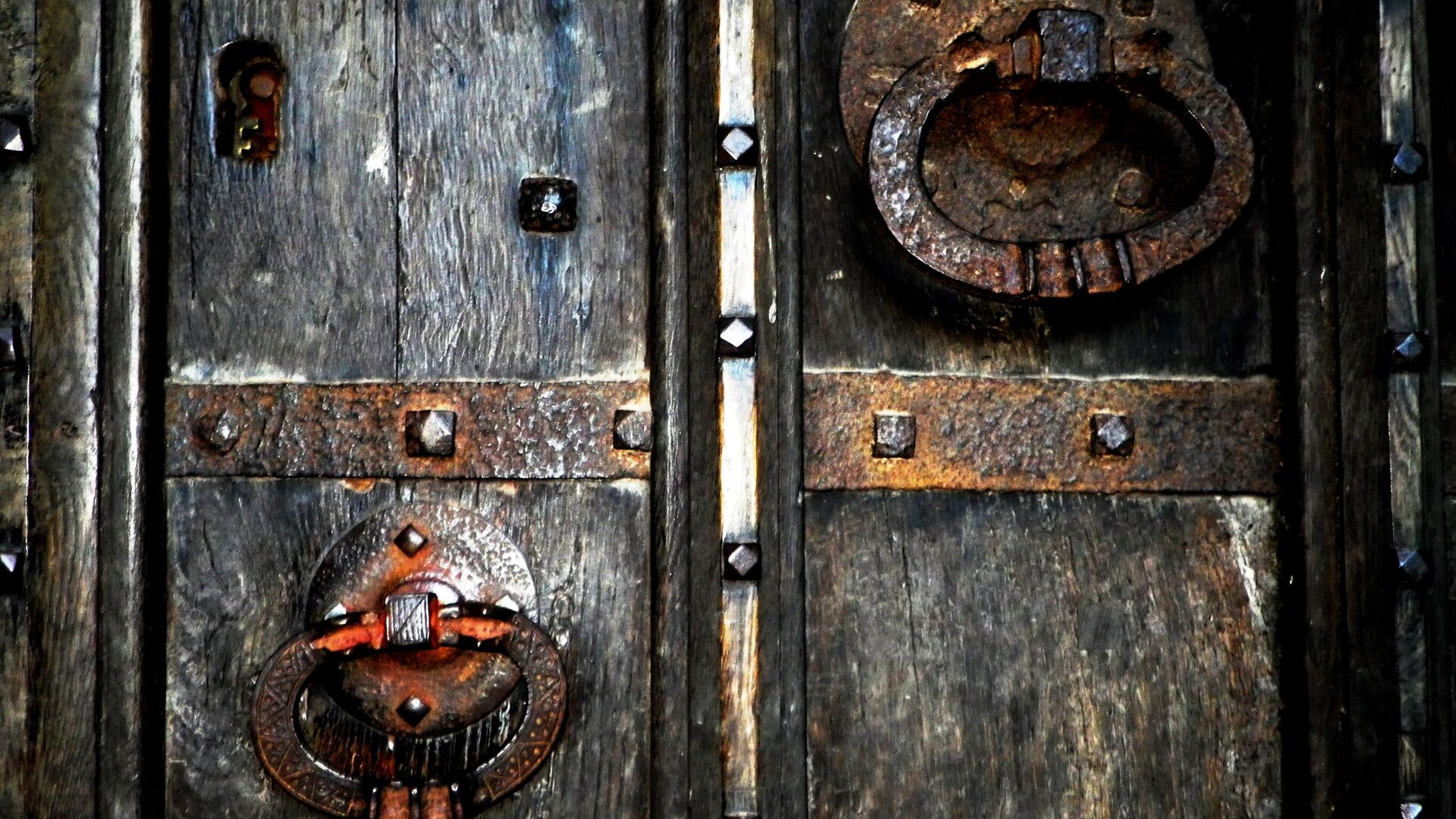 Старинная дверь - РИА Новости, 1920, 28.09.2020