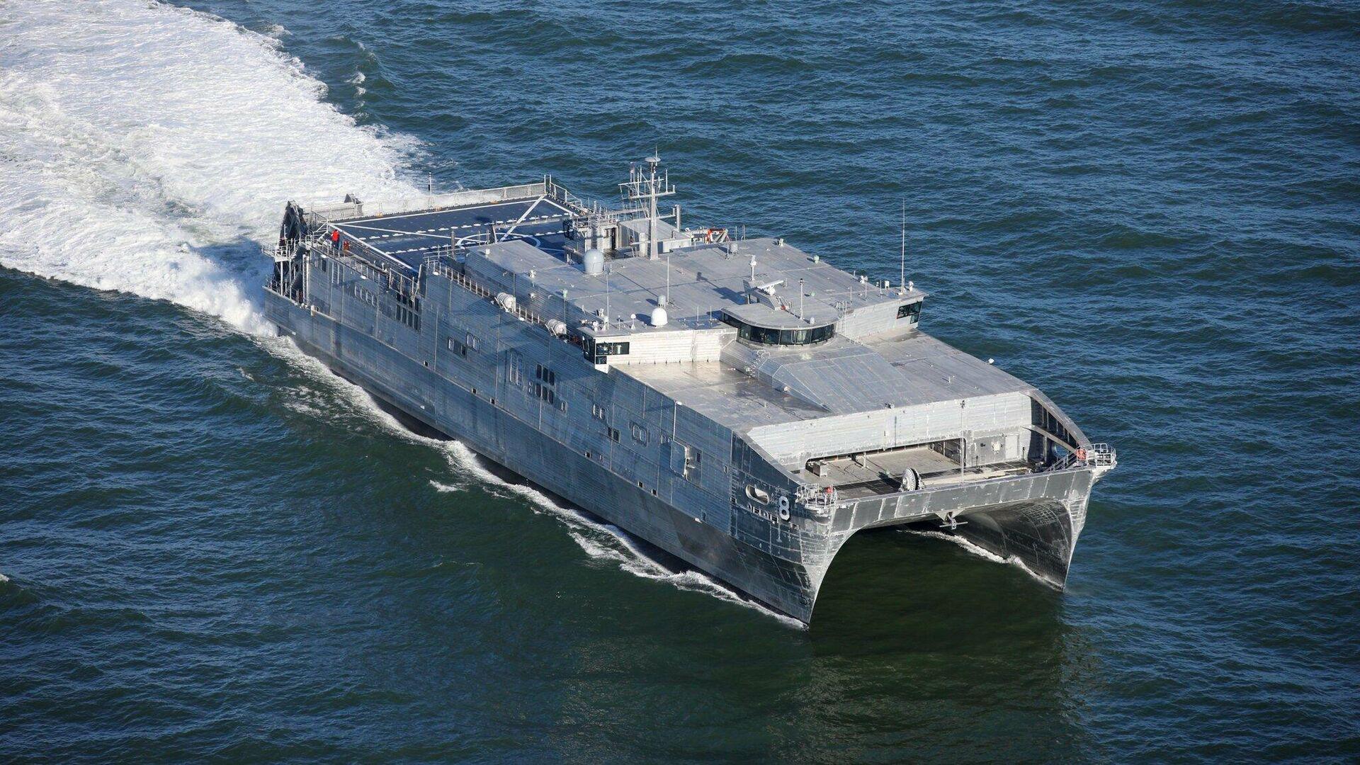 Быстроходный транспортно-десантный корабль USNS Yuma ВМС США  - РИА Новости, 1920, 16.09.2020