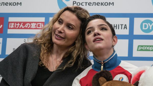 Тренер Этери Тутберидзе и фигуристка Евгения Медведева