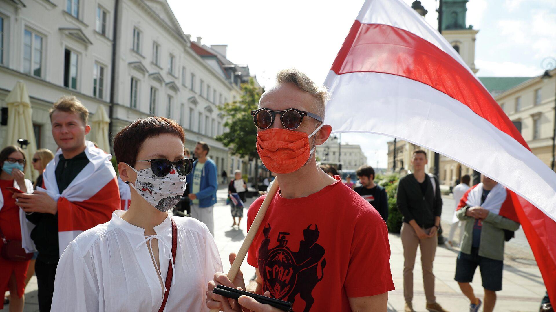 Акция в поддержку протестов в Белоруссии в Варшаве - РИА Новости, 1920, 17.09.2020