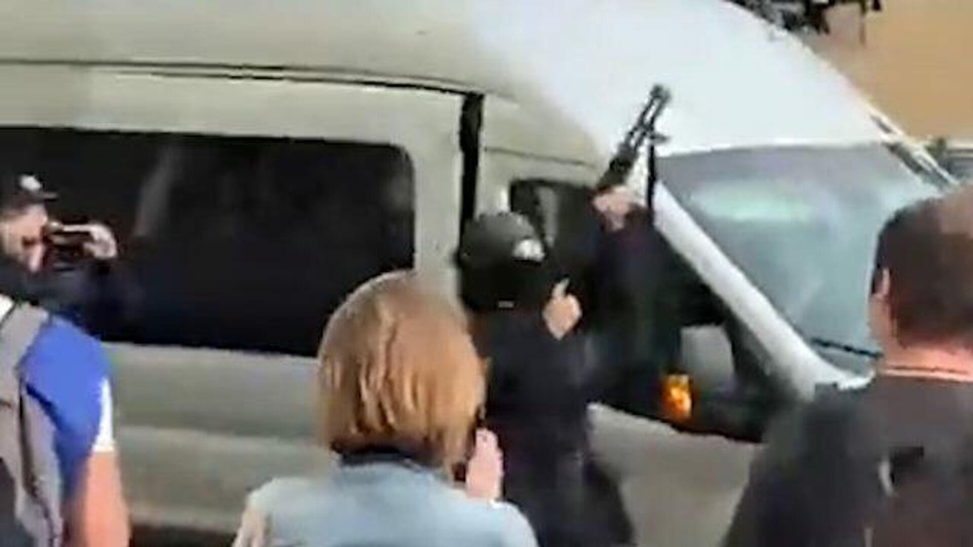 Предупредительный выстрел в воздух во время акции оппозиции в Бресте - РИА Новости, 1920, 20.09.2020