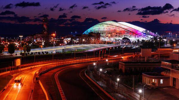 Трасса Формулы 1 и стадион Фишт в Олимпийском парке в Сочи