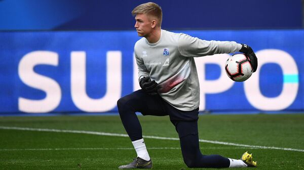 Iceland's goalkeeper Runar Alex Runarsson plays the ball during a training seesion at the Stade de France in Saint-Denis, north of Paris, on March 24, 2019 on the eve of their Euro 2020 qualifying football match between France and Iceland. (Photo by FRANCK FIFE / AFP)