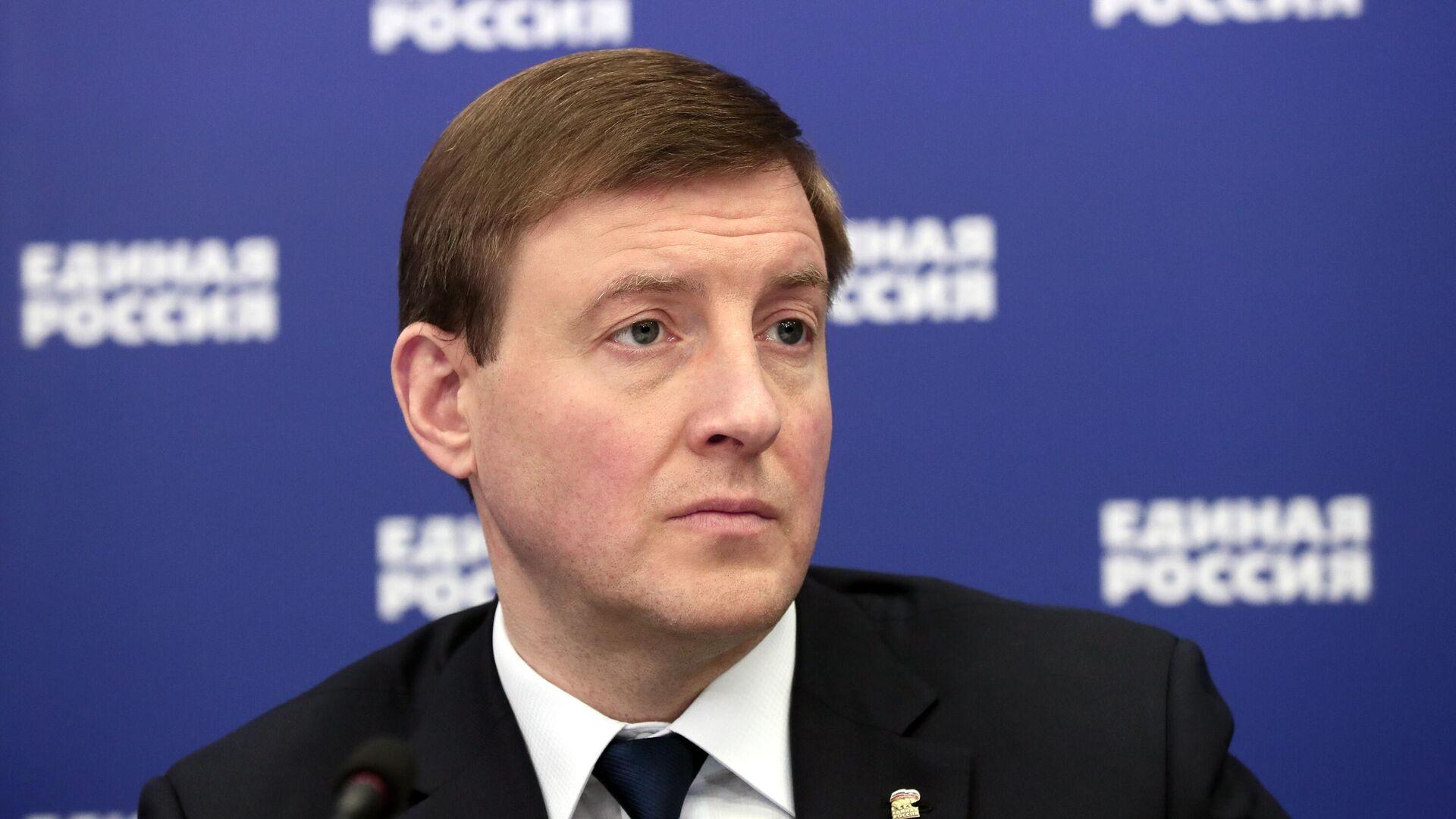 Путин наградил Турчака орденом Александра Невского