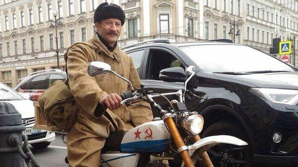 Современный почтальон Печкин: доставляет подарки, спасает животных