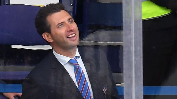Вице-президент СКА Роман Ротенберг во время матча регулярного чемпионата Континентальной хоккейной лиги между ХК Ак Барс (Казань) и ХК СКА (Санкт-Петербург).