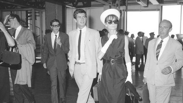 1577760003 0:291:2048:1443 600x0 80 0 0 fc1d378e0e5a5144e58ced37791e1bda - Юбка Монро, черное платье Хепберн. Кто вдохновлял знаменитых модельеров