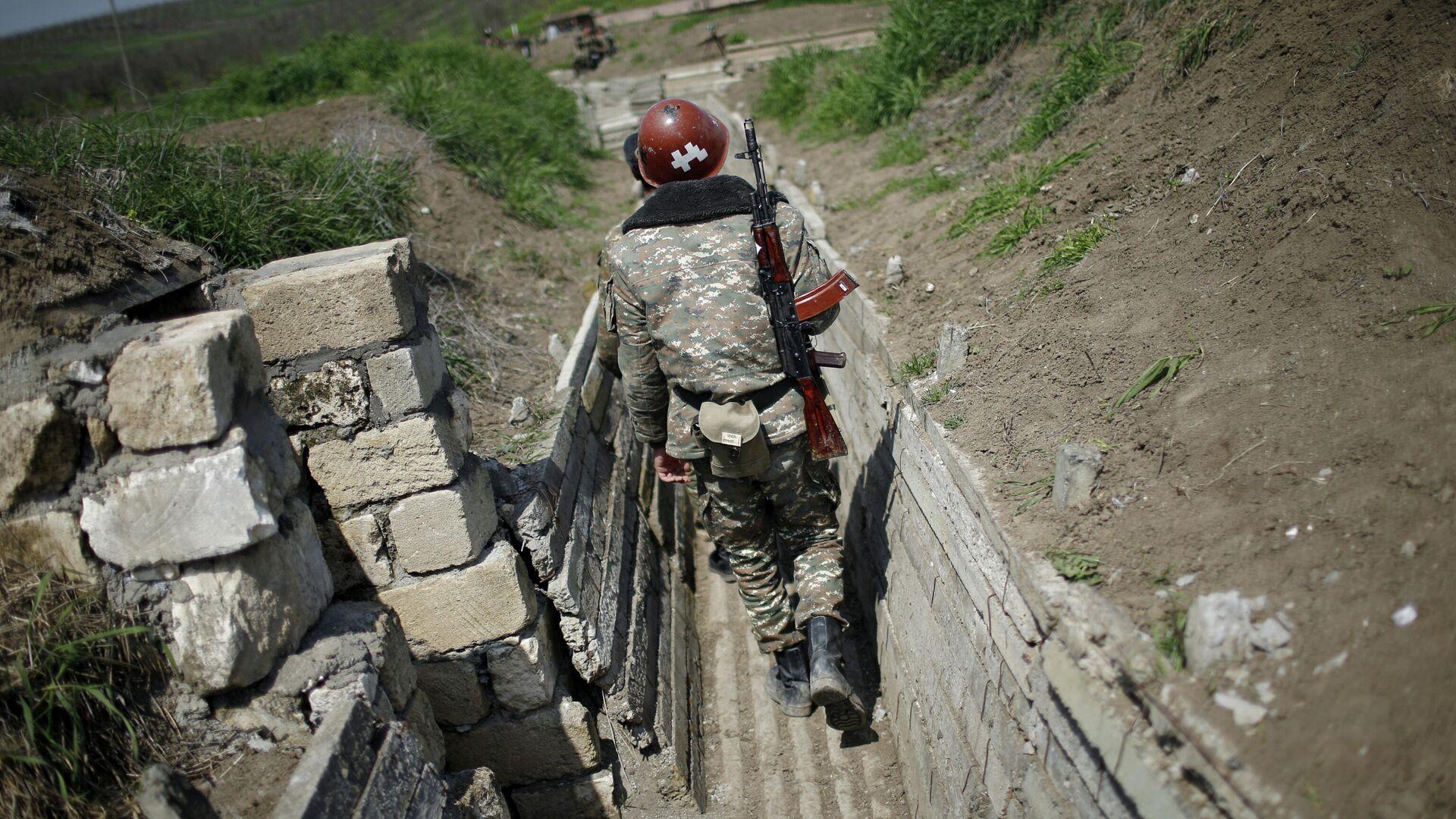 Армянский солдат в зоне карабахского конфликта - РИА Новости, 1920, 27.09.2020