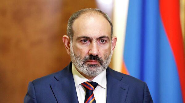 Премьер-министр Армении Никол Пашинян во время обращения к нации в связи с обострением конфликта в Нагорном Карабахе