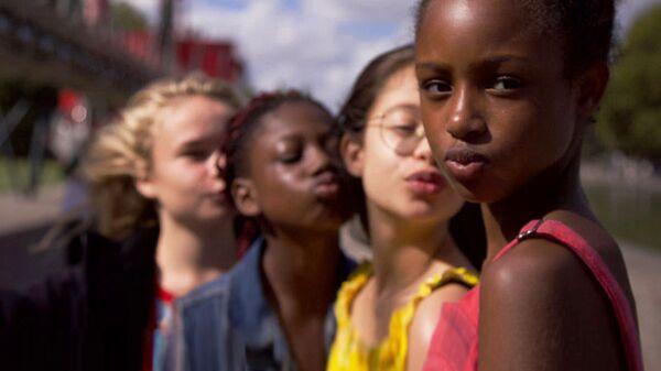 Кадр из фильма Милашки