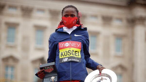 Кенийская легкоатлетка Бриджит Косгей