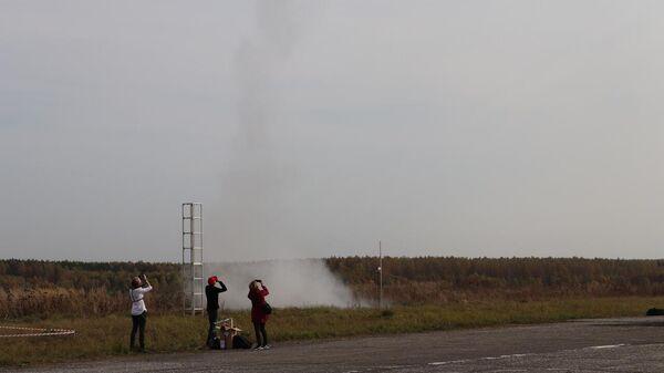 Запуск ракет на полигоне Каменово Камешковского района Владимирской области в рамках проекта Воздушно-инженерная школа