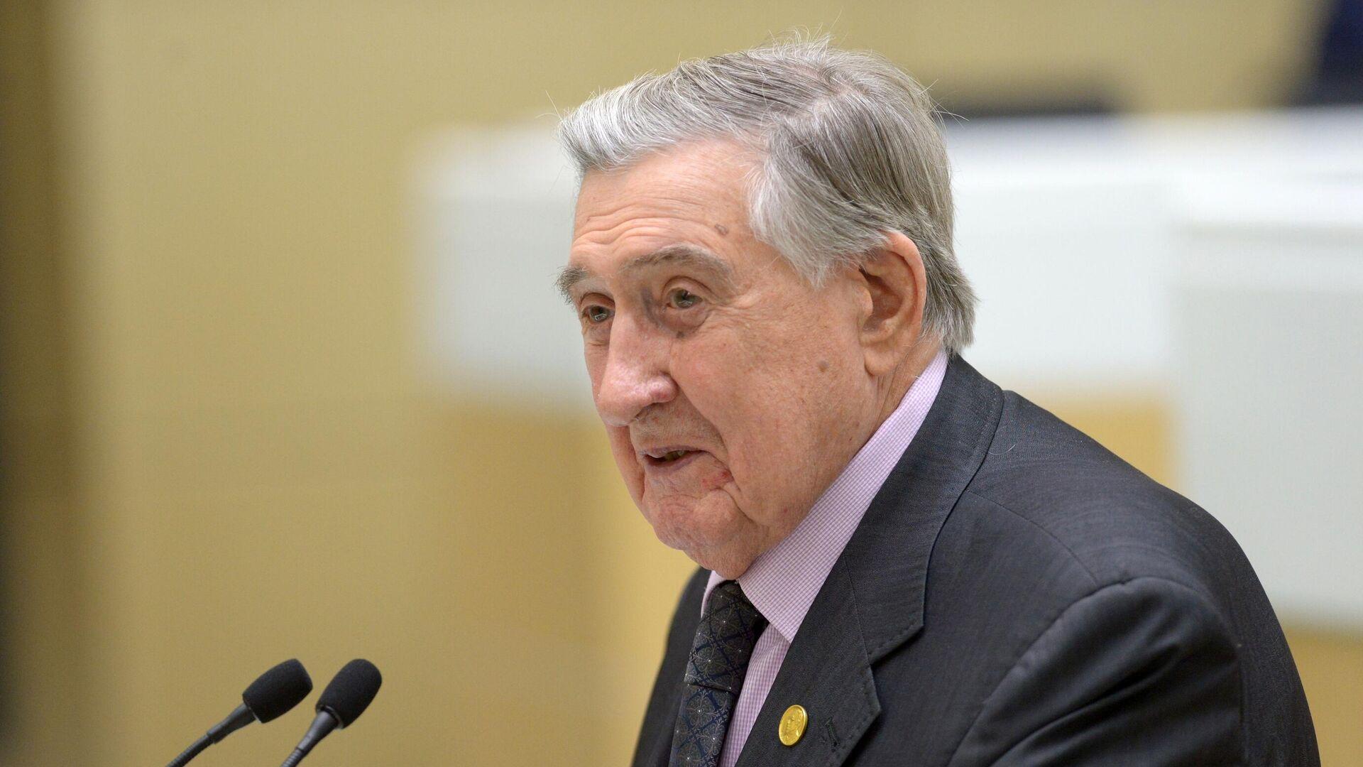 Умер экс-сенатор Владимир Долгих