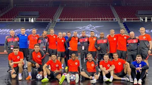 Игроки московского мини-футбольного клуба КПРФ