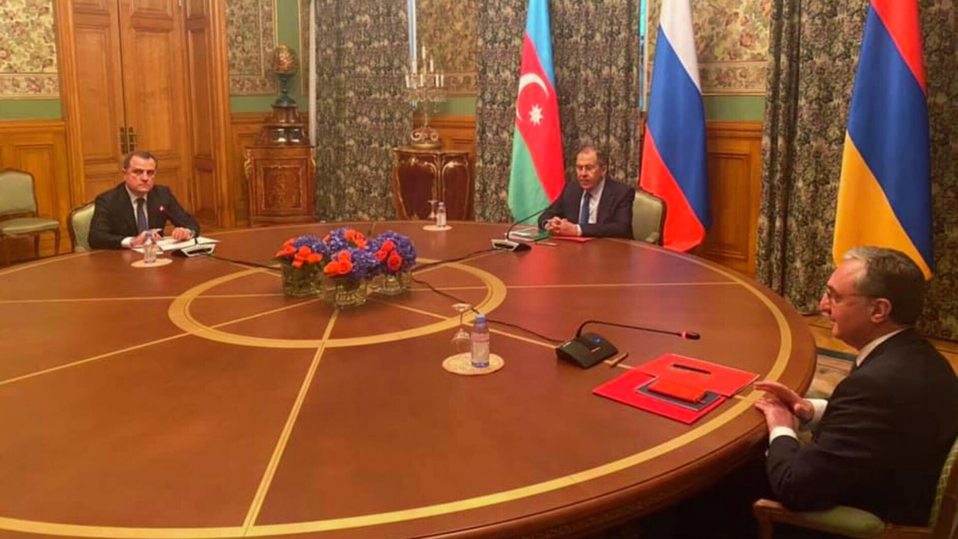 Трехсторонние переговоры Министров иностранных дел Азербайджана, Армении и России  - РИА Новости, 1920, 21.10.2020