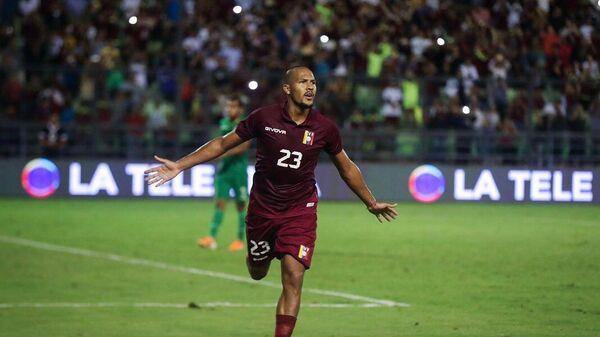 Соломон Рондон в матче за сборную Венесуэлы.