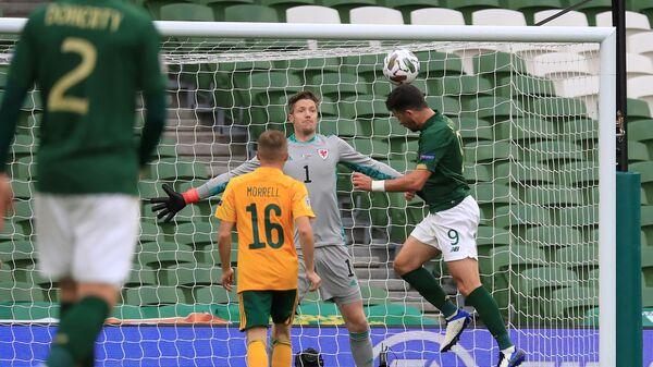 Игровой момент матча Ирландия - Уэльс