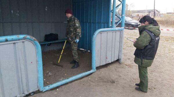 Следователи на месте стрельбы в поселке Большеорловское Нижегородской области