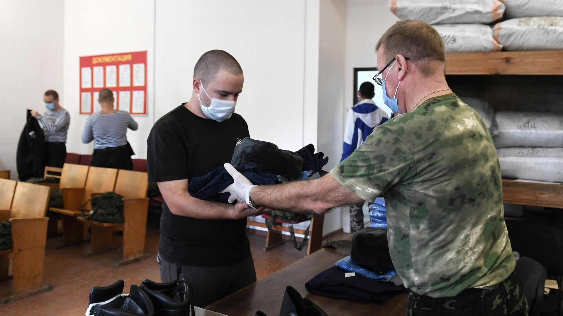 Украинские военные провели учения на границе с Крымом