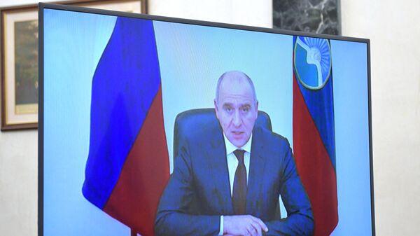 Президент РФ В. Путин провел встречу с главой Карачаево-Черкесии Р. Темрезовым
