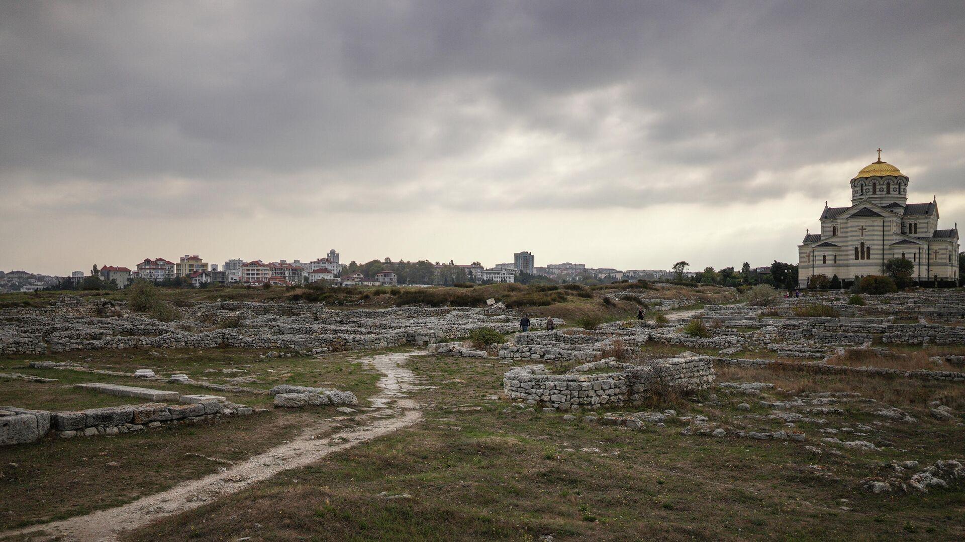 Руины на территории национального заповедника Херсонес Таврический в Севастополе - РИА Новости, 1920, 25.06.2021