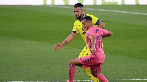 Игровой момент матча Реал - Кадис