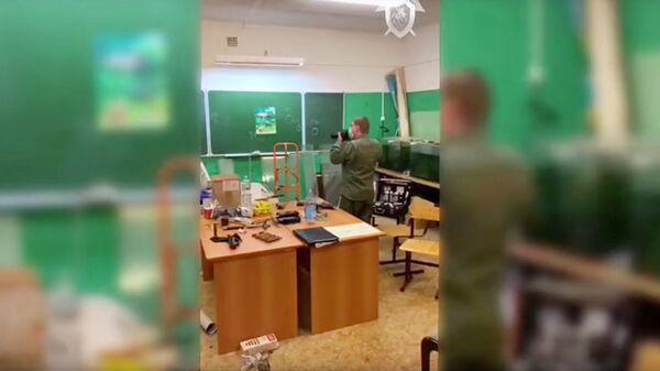Сотрудник СК России на месте взрыва в центре дополнительного образования в Лобне