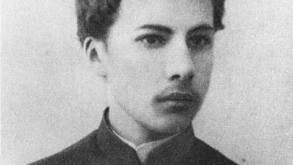 Поэт Андрей Белый