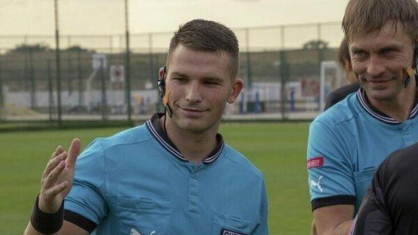 Футбольный арбитр Богдан Головко.