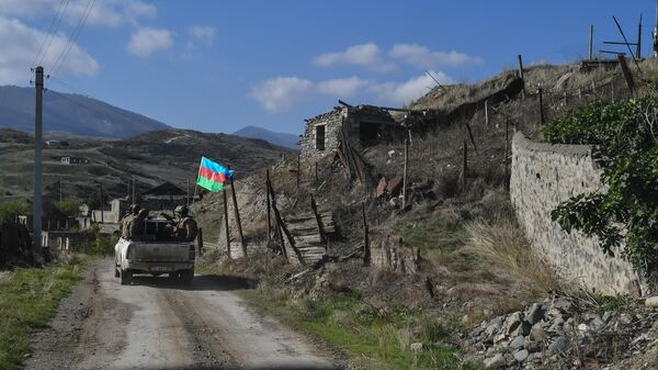 Военнослужащие азербайджанской армии на территории села Талыш