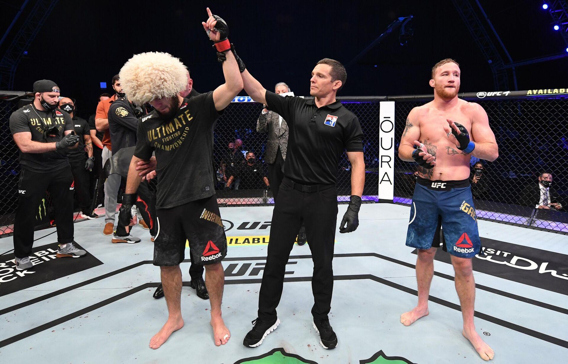 Хабиб Нурмагомедов защитил титул чемпиона UFC в легком весе - РИА Новости, 1920, 17.11.2020