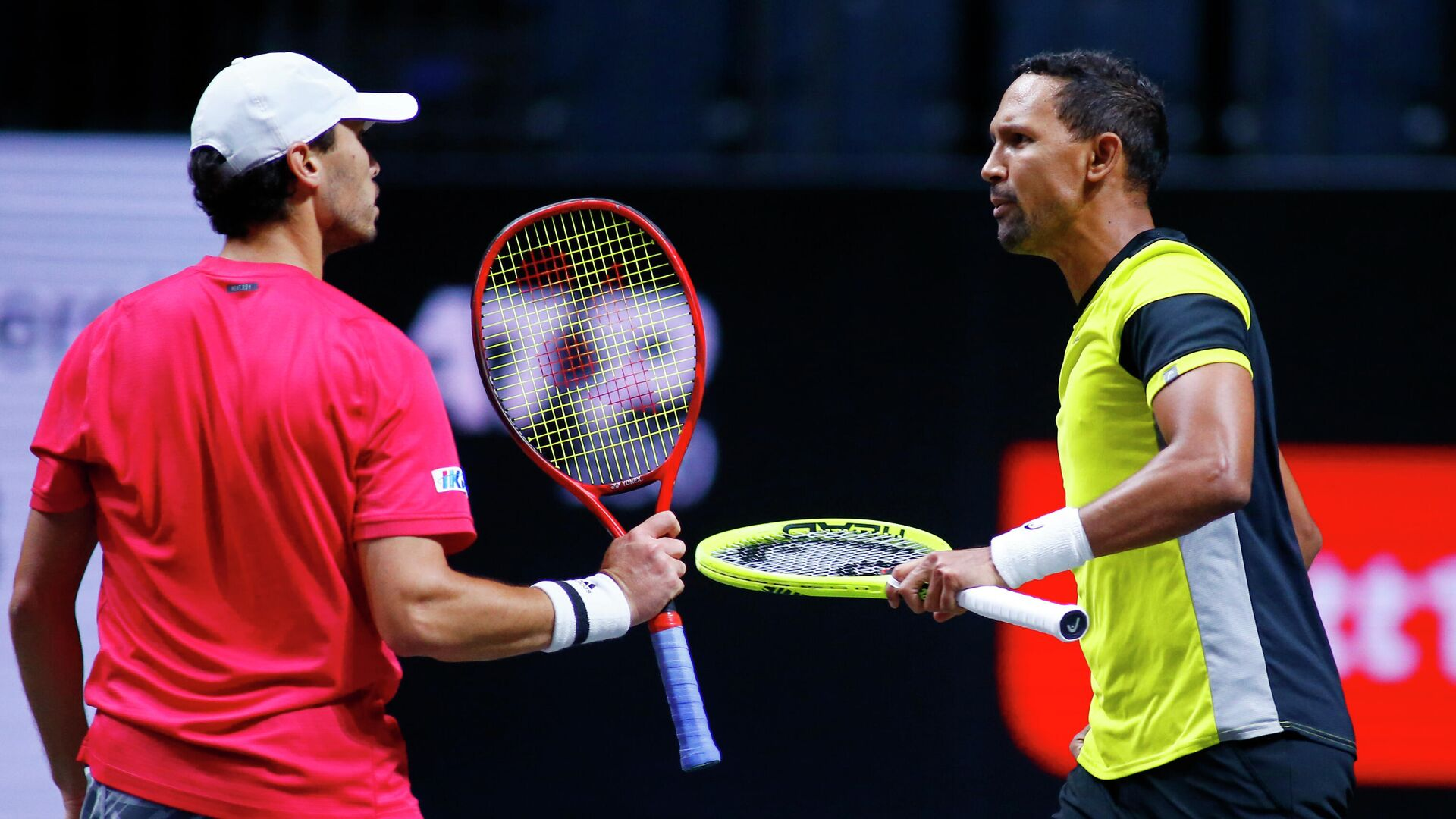 Tennis - ATP 250 - bett1HULKS Championship - Lanxess Arena Cologne, Cologne, Germany - October 25, 2020 South Africa's Raven Klaasen and Japan's Ben McLachlan celebrate during their final match against Germany's Kevin Krawietz and Andreas Mies REUTERS/Thilo Schmuelgen - РИА Новости, 1920, 25.10.2020