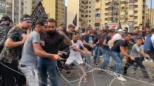 Протесты у французского посольства в Бейруте