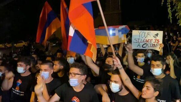 Третья попытка перемирия: в Карабахе продолжаются военные действия