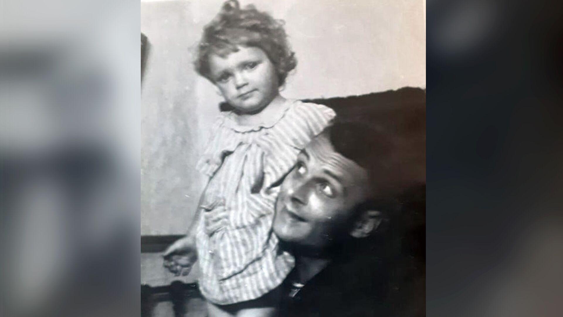 Роман Мельберг с дочерью Еленой - РИА Новости, 1920, 02.11.2020