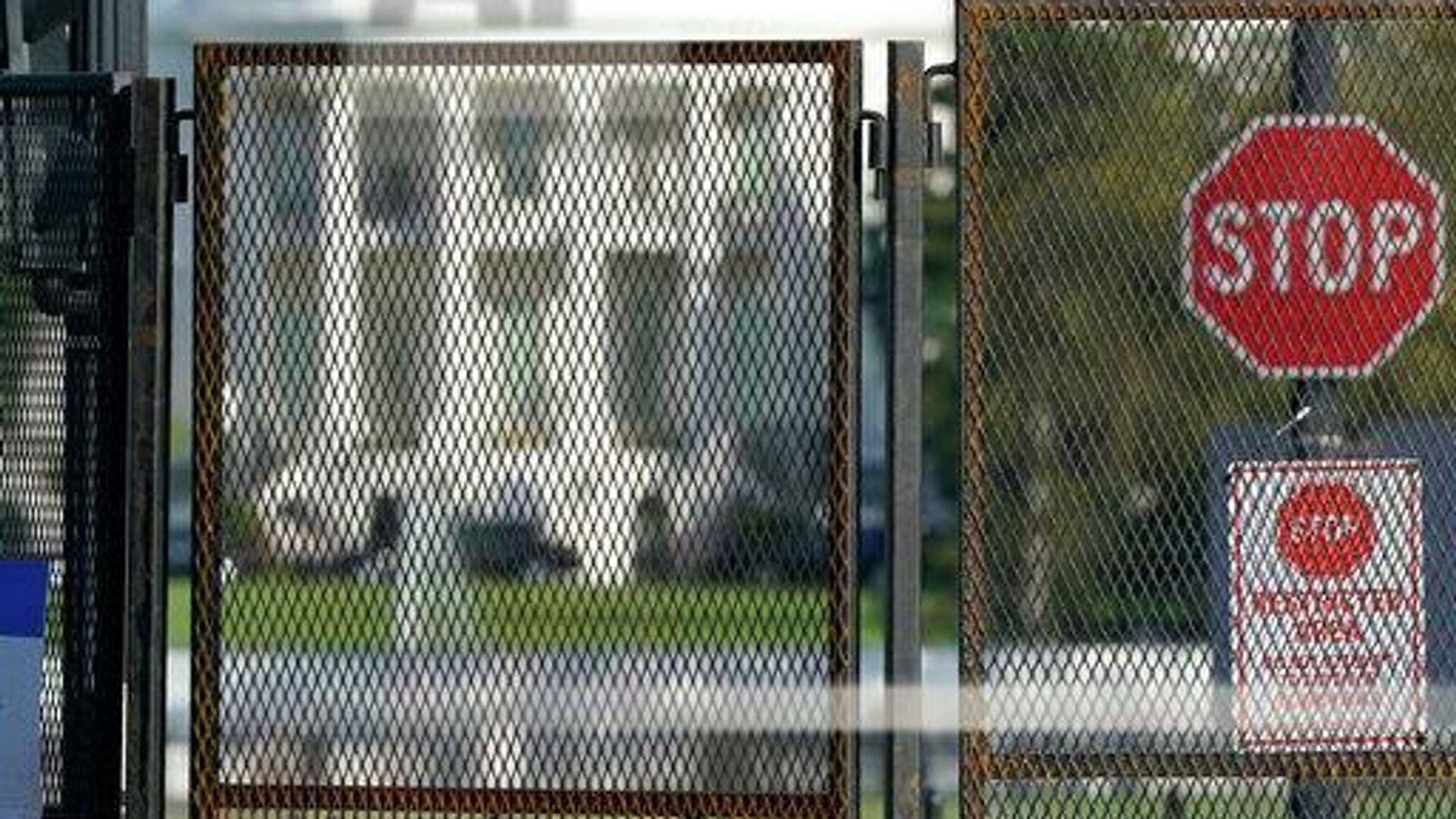 Вокруг Белого дома по запросу Секретной службы США в связи с уникальными требованиями к безопасности вокруг предстоящих президентских выборов и в связи с необходимостью быстро разрешить потенциально возможные столкновения возвели двухметровый забор - РИА Новости, 1920, 04.05.2021