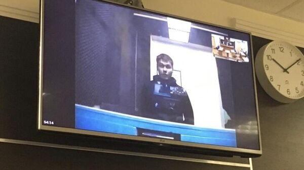 Александр Шабарчин на экране монитора во время заседания Пермского краевого суда. 5 ноября 2020